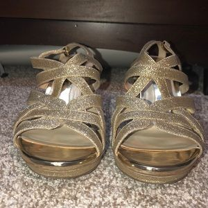 Naturalizer gold sparkly heels